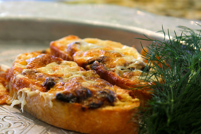french-onion-crostini.jpg